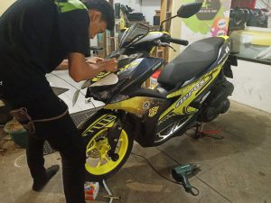 harga cutting sticker motor